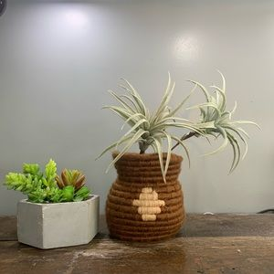 🌵Vintage Basket Vase Rope and Yarn